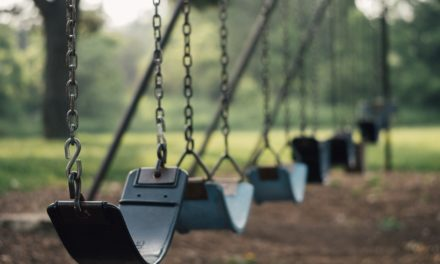 Styrk dit barns motorik med en gynge
